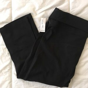 Old Navy Maternity Black Cropped Leggings NWT